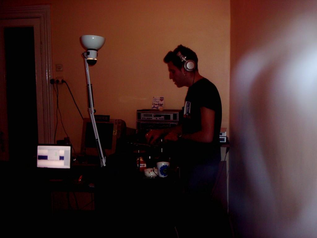 disc jockey ari mixtape set hazırlığı