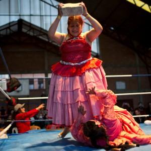 022719-bolivia-women-wrestlers-12